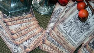 cartas tarot figuras metal